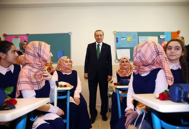 Turki Berencana Hapus Pelajaran Teori Darwin Disekolah