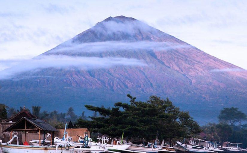 Penerbangan Bali Terganggu Karena Letusan Gunung Agung
