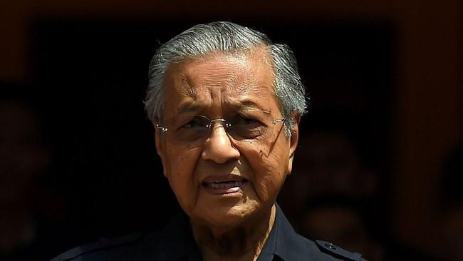 Warga Malaysia Patungan Bayar Utang Negara