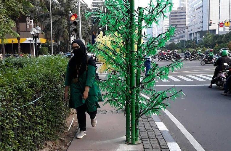 Sandiaga Bantah Keluarkan Dana Untuk Pohon Buatan