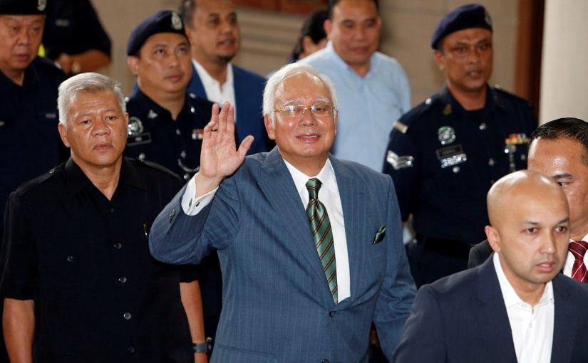 Eks PM Malaysia Dituduh Melakukan 21 Pencucian Uang